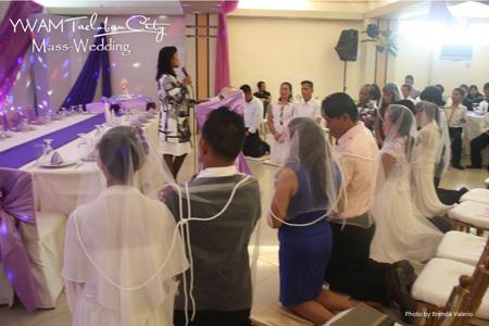 mass wedding tacloban